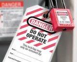 注意のためのロックアウト札は安全のためのパッドロックによってロックする