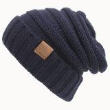 Крест осени женщин связанный зимой Slouchy покрывает шлем заплетенный Beanie переплетенный (HW106)