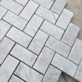 De tegel van de Muur van het Mozaïek Bianco van Carrara Witte Marmeren
