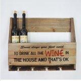 Crémaillère fixée au mur en bois de barre de maison de cru de bouteille de vin et de support de mémoire en verre