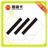 O tamanho Cr80 padrão imprimiu os números de série 128 o cartão branco do PVC da tira da assinatura da tira magnética de 39 códigos de barras