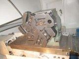 CNC Ck6132 обрабатывает машины на токарном станке с инструментом в реальном маштабе времени