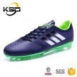 最も新しい2016のベストセラーのフットボールの靴様式ほとんどの普及したデザイン人の屋外のサッカーの靴