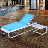 天候の抵抗力がある屋外の機能家具のアルミニウム横たわる椅子