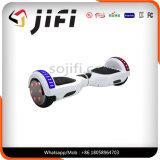 LG/Samsung/LEDのライトまたはBluetoothの電気自己バランスをとるスマートなスクーター