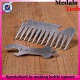 Apri di bottiglia placcato argento del pettine del metallo di figura della carta di credito