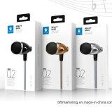 Fone de ouvido Q2 estereofónico na linha controle com a em-Orelha Earbuds dos auriculares 3.5mm do Mic para Smartphones