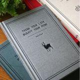 두꺼운 표지의 책 노트북을 인쇄하는 고품질 주문을 받아서 만들어진 로고
