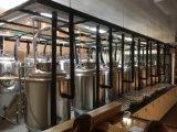 中国製窪みのジャケットが付いている発酵槽、ターンキーシステムビール醸造の熱い販売を用いる小型ビール醸造所装置