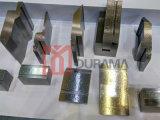 Le premier perforateur de col de cygne, premier outillage, premier perforateur, outillage supérieur, carré meurent, ajustent les moulages Multi-v pour le frein de presse
