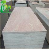 4 ' *8'12/15/18 millimètre de peuplier de faisceau de Keruing de contre-plaqué en bois de placage avec la colle E0/E1 pour les meubles/décoration