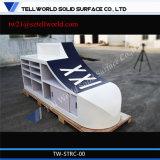 高い光沢のある現代フロントLEDのレセプションのカウンターの体操デザイン