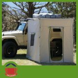 im Freien Dach-Oberseite-Zelt des kampierenden Auto-4X4 mit Anhang