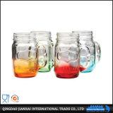 Alti reticolo della bottiglia di vetro e vaso di muratore impressi bianchi di marchio