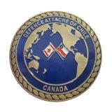 ロープライン端が付いている昇進の金属の海軍硬貨