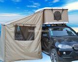 キャンバスの屋根の上のテントが付いている屋根のテントのロッカー室