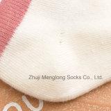 Peúgas básicas do algodão das crianças do bordado do estilo