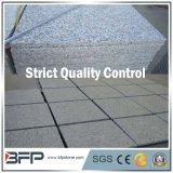 Telha de assoalho cinzenta Polished do granito da pedra natural de China para a escada/fachada