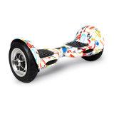 2 Räder strichen den Selbst an, der Hoverboard Minic$e-roller balanciert