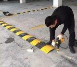 Bulten van de Beschermer van de Kabel van de Dekking van pvc van de rijweg de Rubber