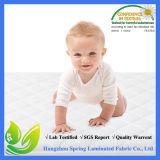 Gesteppte und befestigte wasserdichte Krippe-Matratze-Auflage u. Deckel hergestellt vom seidigen glatten Bambusfaser-Rayon vollkommen für Baby-und Kleinkind-Gebrauch