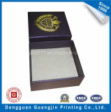 Unique Embossing와 Golden Logo를 가진 특별한 Paper Gift Box