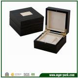 Caixa de relógio de madeira do revestimento da laca com descanso