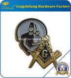 Liberare il Pin su ordinazione del risvolto del Freemason della muffa