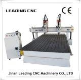 機械1300*2500mmを切り分ける高精度木CNC