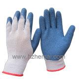 Большой пец руки полно окунул перчатку работы безопасности перчаток хлопка покрынную латексом