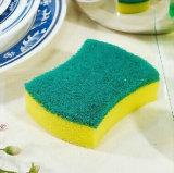 Éponge de nettoyage de cuisine pour des assiettes