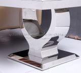 正方形の白い大理石の上のステンレス鋼ベースソファーの側面表