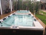Monalisa 7 personnes se branchent et utilisent la gouttière extérieure en acrylique Whirpool Swim SPA