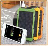 Cargador móvil de la batería de la energía solar de la venta de la salida dual caliente del recorrido con LED brillante 8000mAh ligero