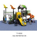 子供のための木の屋外の運動場、プラスチック屋外の運動場