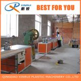 El ángulo plástico del PVC rebordea la máquina de la producción del estirador