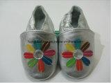 Ботинки младенца маленьких ребеят солнцецвета польностью кожаный