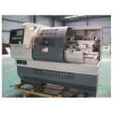 Torno diferente Ck6140A do CNC do material da eficiência elevada de China