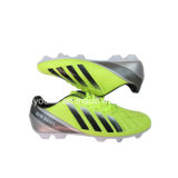 Напольные ботинки футбола для сбывания