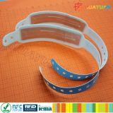 Wristband de papel descartável Printable clássico do bilhete system13.56MHz MIFARE 1K RFID do evento de HUAYUAN