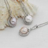 Los colgantes de la perla venden al por mayor el colgante de agua dulce natural de la perla de la manera de la dimensión de una variable del botón de 9-10m m