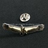 La solapa modificada para requisitos particulares del águila del metal del diseño fija la divisa