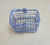 Poca cesta de la tenencia de la mano del metal de la talla