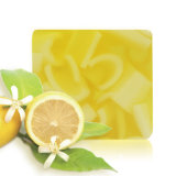 Savon de bain pour le nettoyage du corps avec une saveur d'orange