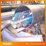 All'interno della saldatrice automatica dell'aggraffatura longitudinale