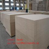 Il legno ha impiallacciato la scheda del MDF/il MDF della mobilia affrontato legno naturale