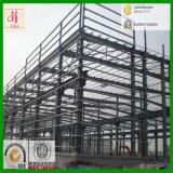 Estructural del edificio de acero con la viga de H