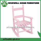 Cadeira de balanço colorida dos miúdos de madeira