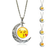 De Emoji da face do sorriso do Emoticon da lua colar Chain de vidro do pendente do metal Cabochon
