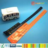 Het aangepaste Embleem drukte Beschikbare VinylManchet NTAG213 RFID voor Gebeurtenissen af